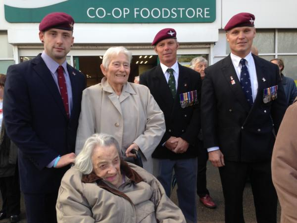 Harwich remembrance 3 gentlemen and 2 ladies-2